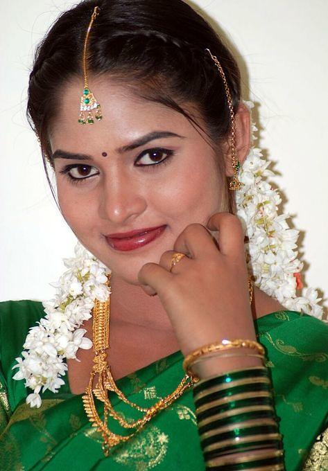 desi-beautiful-actress-5