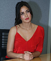 katrina-kaif-in-red-top-4