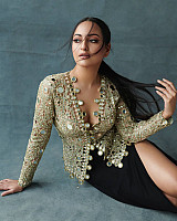 Sonakshi-Sinha-hot-shot-1