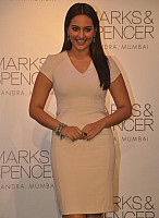 sonakshi-sinha-cute-beauty-4