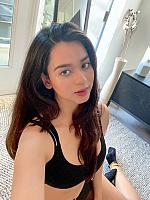 Soundarya-Sharma-selfie-at-home-3