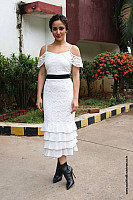 neha-sharma-sizzling-hot-in-white-outfit-4