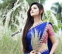 Beautiful-desi-lady-in-traditional-dress-22