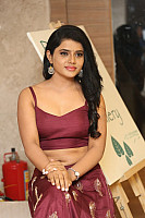 sumaya-choco-navel-show-in-red-blouse-19