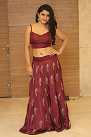 sumaya-choco-navel-show-in-red-blouse-21