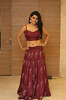 sumaya-choco-navel-show-in-red-blouse-24