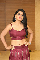 sumaya-choco-navel-show-in-red-blouse-29