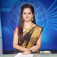 Anitha-Sampath-gorgeous-anchor-3