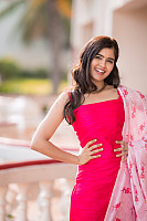 amritha-aiyer-beautiful-in-pink-salwar-1