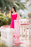 amritha-aiyer-beautiful-in-pink-salwar-2