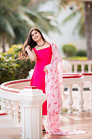 amritha-aiyer-beautiful-in-pink-salwar-3