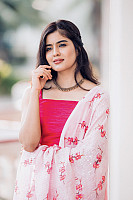 amritha-aiyer-beautiful-in-pink-salwar-5