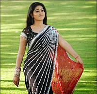 Sneha-Hot-in-Designer-Saree-2