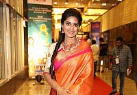 sneha-at-santhosam-awards-0