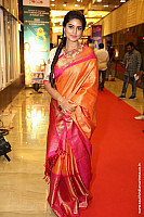 sneha-at-santhosam-awards-1