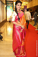 sneha-at-santhosam-awards-3