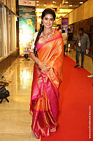 sneha-at-santhosam-awards-9