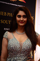 surbhi-puranik-at-dadasaheb-phalke-awards-south-18