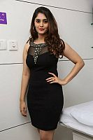 surabhi-launches-naturals-franchise-salon-20