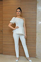 tamannaah-bhatia-stunning-in-strapless-dress-38