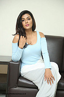 anisha-ambrose-spicy-look-222
