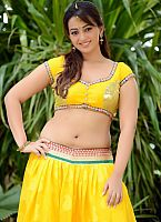Ester-Noronha-hottie-in-yellow-dress-0