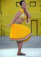 Ester-Noronha-hottie-in-yellow-dress-11