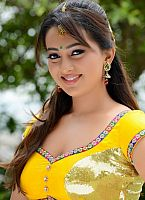 Ester-Noronha-hottie-in-yellow-dress-2