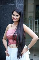 Jinal-Pandya-hot-navel-10