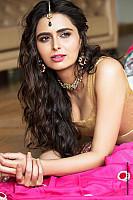 meenakshi-dixit-latest-hot-look-0