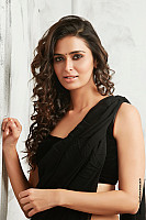 meenakshi-dixit-latest-hot-look-4