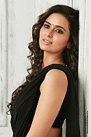 meenakshi-dixit-latest-hot-look-5