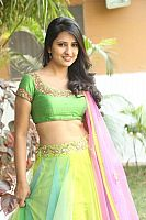 Nikita-Bisht-hot-navel-38