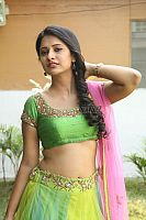 Nikita-Bisht-hot-navel-44