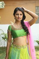 Nikita-Bisht-hot-navel-47
