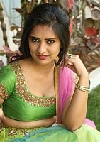 Nikita-Bisht-hot-navel-49