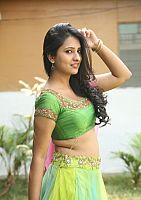 Nikita-Bisht-hot-navel-53