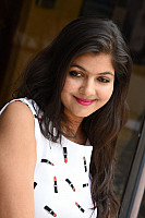 Shalu-Soni-gorgeous-in-white-dress-12