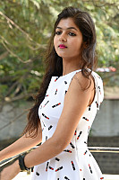 Shalu-Soni-gorgeous-in-white-dress-13