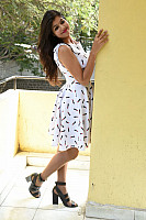 Shalu-Soni-gorgeous-in-white-dress-14