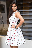 Shalu-Soni-gorgeous-in-white-dress-19