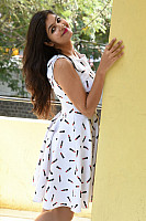 Shalu-Soni-gorgeous-in-white-dress-23