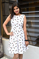 Shalu-Soni-gorgeous-in-white-dress-3