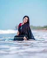 Shehna-Noushad-exciting-desi-beauty-14