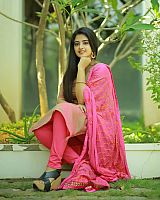 Shehna-Noushad-exciting-desi-beauty-17
