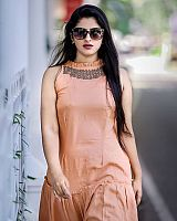 Shehna-Noushad-exciting-desi-beauty-6