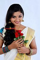 Sreelakshmi-Sreekumar-attractive-in-saree-2