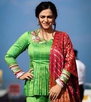 Nithya-Menen-attractive-in-salwar-suit-1