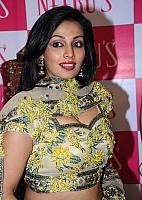 Asha-Saini-Photo-Stills-10