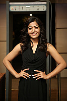 rashmika-mandana-in-dark-green-outfit-1